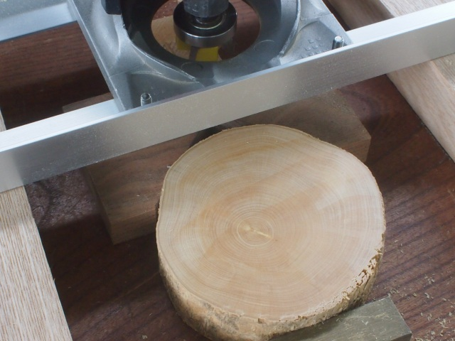 ミックス4枚刃ビットで木口を平面出し